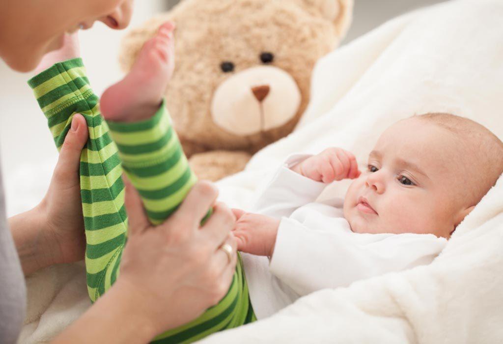 أنشطة الطفل الرضيع بعمر 3 أشهر