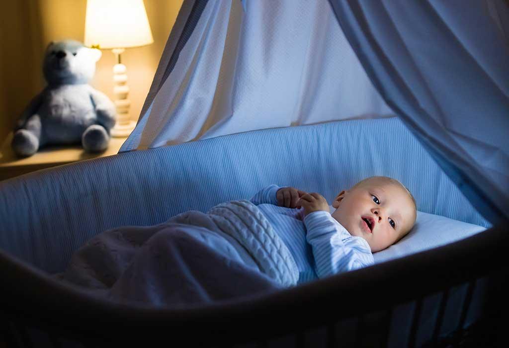 هل من الطبيعي ألا ينام الأطفال طوال الليل؟