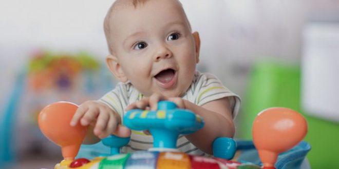 أفضل الألعاب للعب مع الأطفال الرضع (من عمر 0 إلى 12 شهرًا)