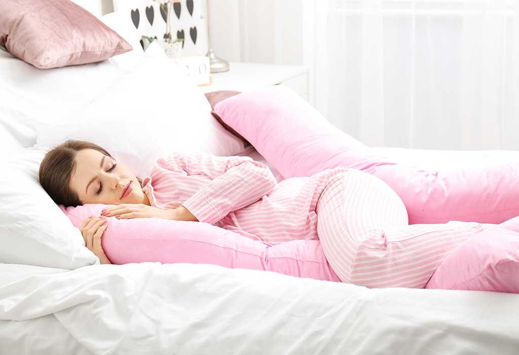 استخدام وسادة للحصول على الراحة
