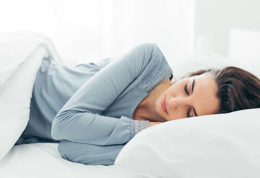 النوم على جانبك الأيسر