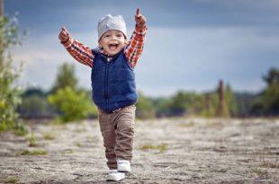 نمو الطفل بعمر العامين: نمو الطفل وتطوره وتغذيته وأنشطته
