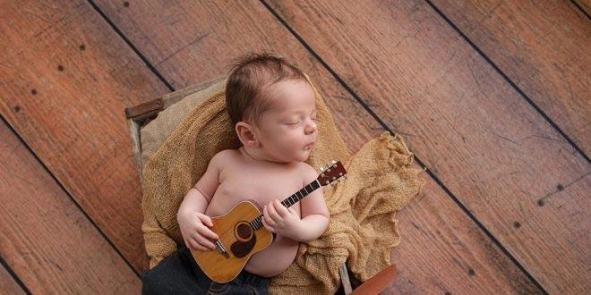 طفلكِ البالغ من العمر 3 أسابيع - النمو والعلامات البارزة والرعاية
