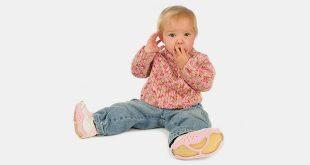 نمو الطفل الرضيع بعمر 13 أشهر: نمو الطفل وتطوره ومؤشرات نموه وأنشطته