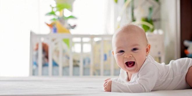 طفلكِ البالغ من العمر 15 أسبوعًا - النمو والملامح الرئيسية والرعاية