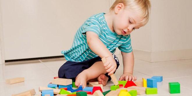 نمو الطفل الرضيع بعمر 15 أشهر- نمو الطفل وتطوره ومؤشرات نموه وأنشطته