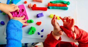 لماذا يحتاج الأطفال في مرحلة ما قبل المدرسة للعب بالصلصال
