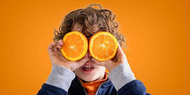 جرعة فيتامين سي للأطفال – الفوائد الصحية والأطعمة