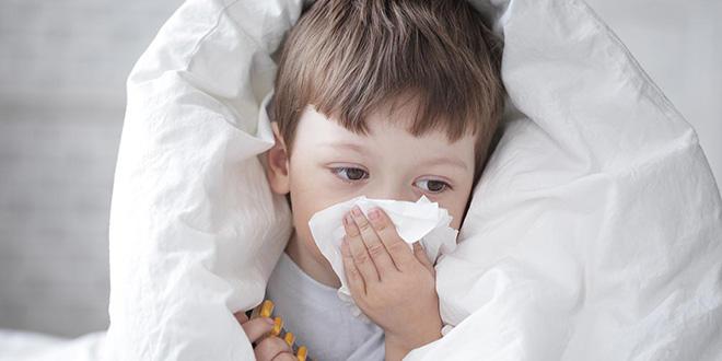 13 علاجًا منزلي لنزلات البرد والإنفلونزا عند الرضع والأطفال