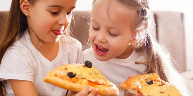 10 وصفات بيتزا صحية ولذيذة للأطفال