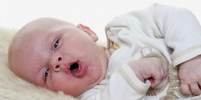 أفضل 10 علاجات منزلية لالتهاب الحلق عند الأطفال