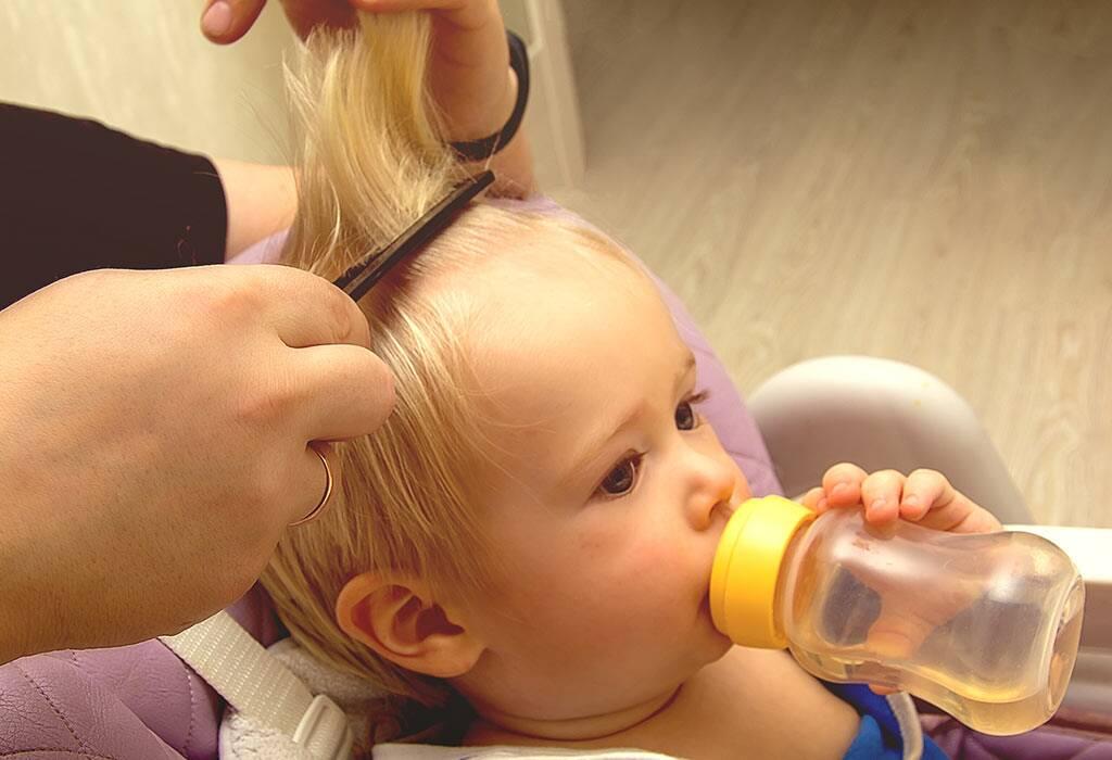 ما هو العمر المناسب لقص شعر الطفل للمرة الأولى؟