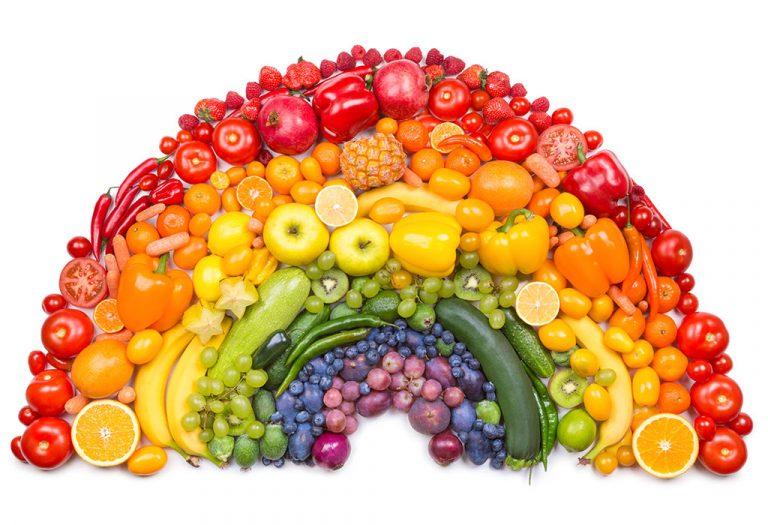 الفواكه والخضروات الملونة