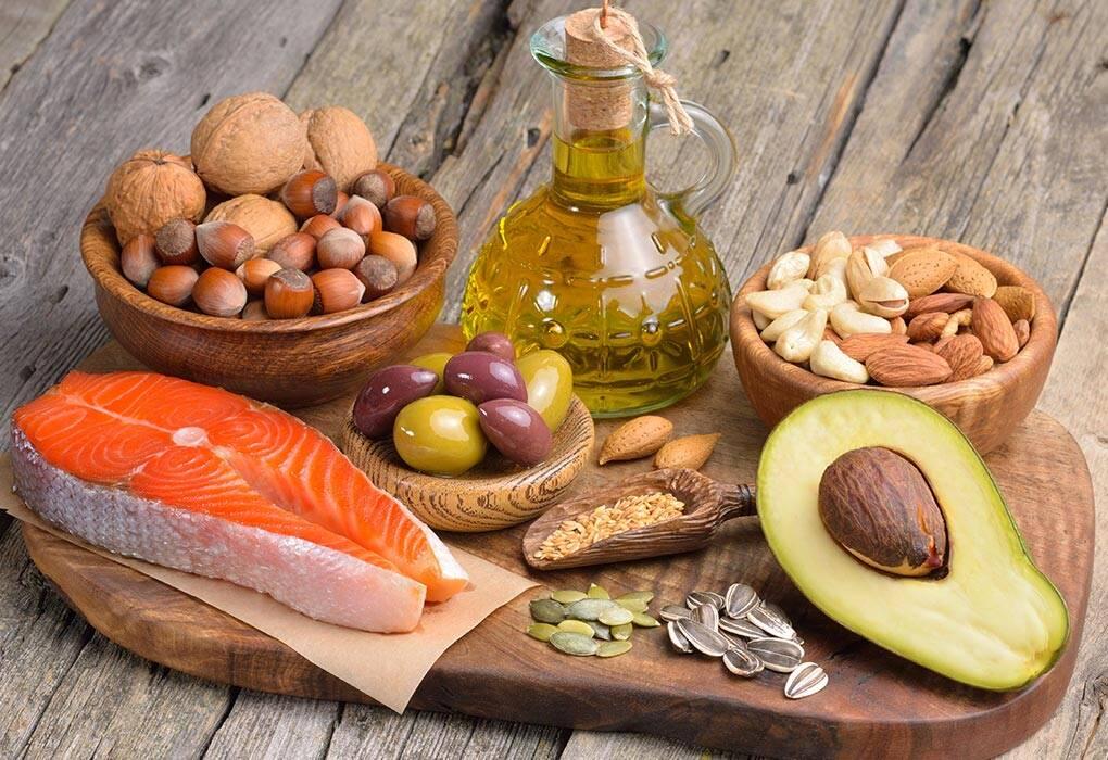 الأطعمة الغنية بالأحماض الدهنية