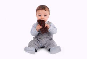 كيف يمكنك تقديم الشوكولاتة لطفلك؟