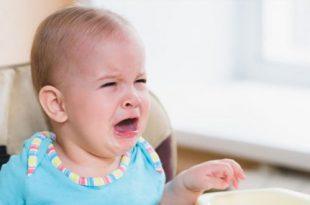 كيف تعرفين إذا كان طفلك الرضيع جائعاً - العلامات والإشارات
