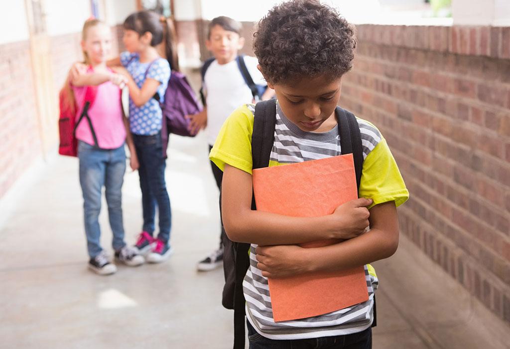 التحديات التي تواجه الأطفال الانطوائيين