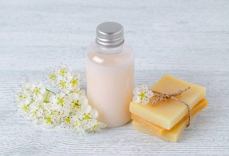 ما نوع الغسول أو الصابون الذي يجب استخدامه؟