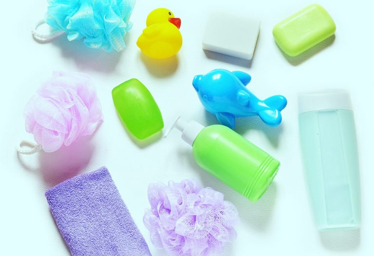 ما تحتاجينه لإعطاء حمامًا لطفلك