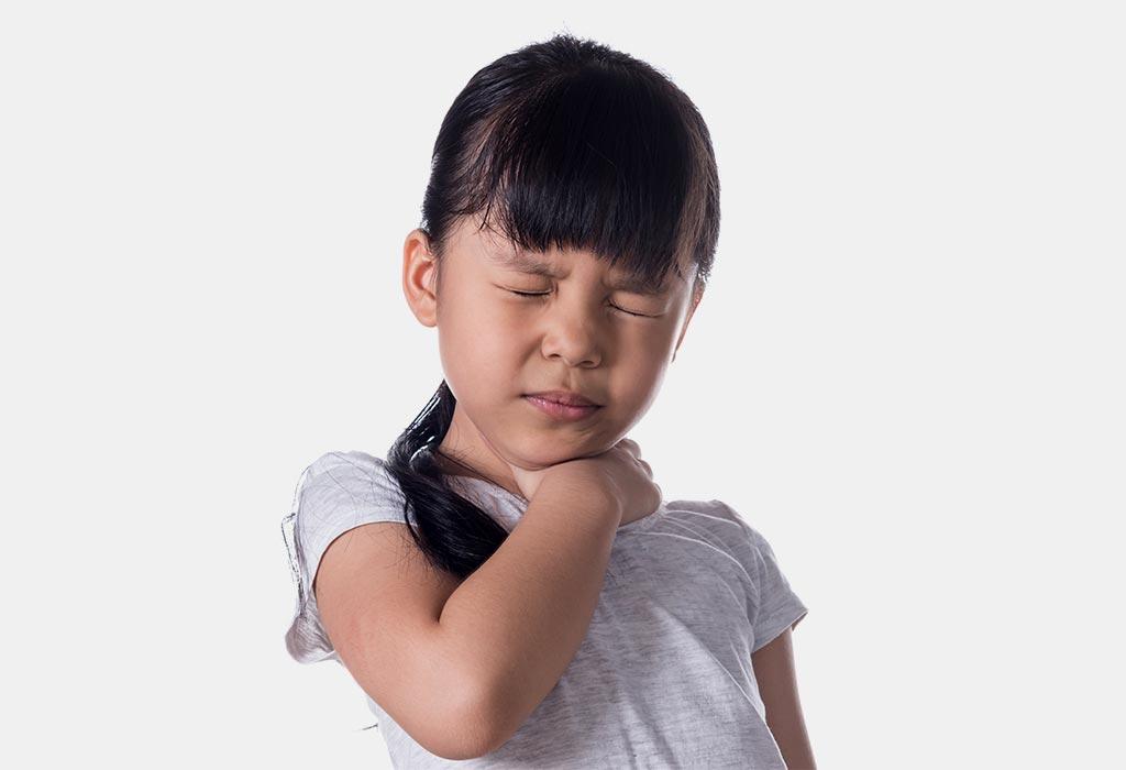 علامات وأعراض التهاب اللوزتين عند الأطفال