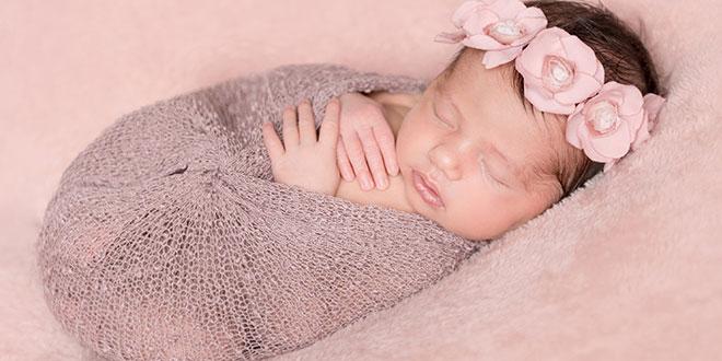 """أسماء الأطفال الرضع البنات العربية التي تبدأ بحرف """"ر"""""""