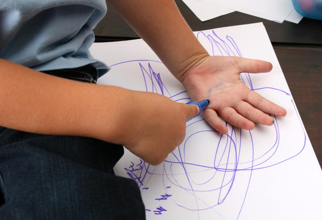 متى يمكن لطفلك أن يبدأ تعلم الكتابة