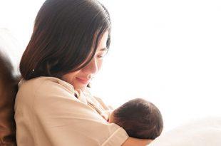 الرضاعة الطبيعية مع حلمات مسطحة أو مقلوبة