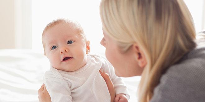 متى تتطور الرؤية عند الأطفال حديثي الولادة - مراحل تطور النظر